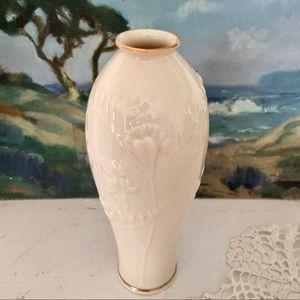 Vintage Lenox Ivory Bud Vase 24k Gold Trim USA